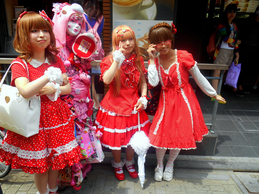 Posing in Harajuku, by RubyReminiscence